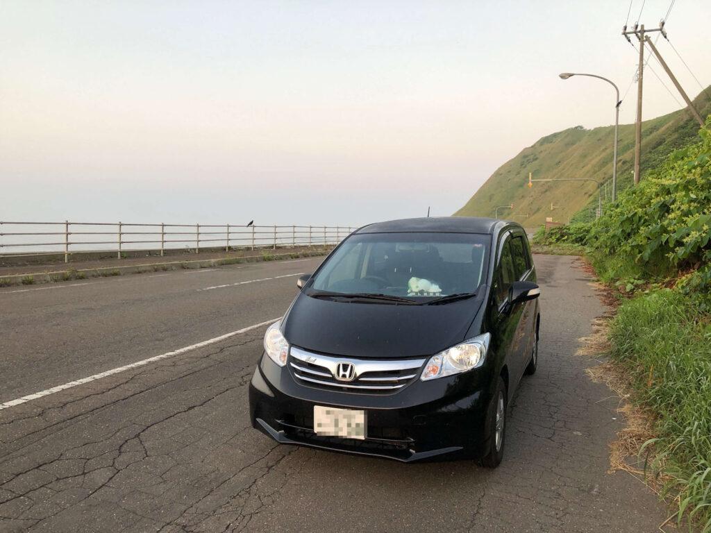 フリードと迎える海岸の朝